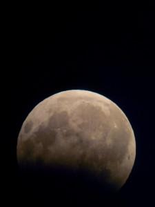 eclisse-parziale-di-luna-7agosto2017-foto-rosario-catania