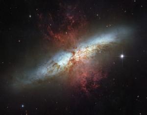 galassia-sigaro-m82