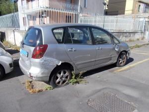 9auto-abbandonata-via-taranto-28maggio2020-6_li