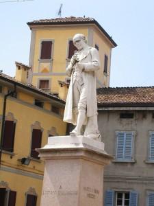 monumento-a-lazzaro-spallanzani-a-scandiano