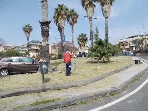 piazza-tivoli-di-canalicchio-dopo-il-taglio-delle-piante-selvatiche-in-fiore-28aprile2021-1